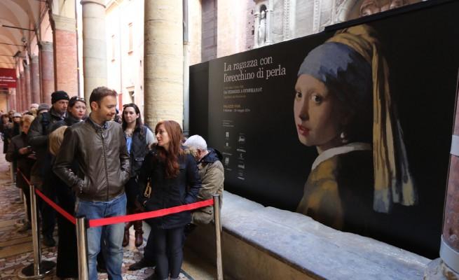 Persone al museo